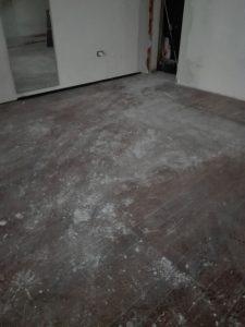 Pavimento in iroko prima del nostro intervento